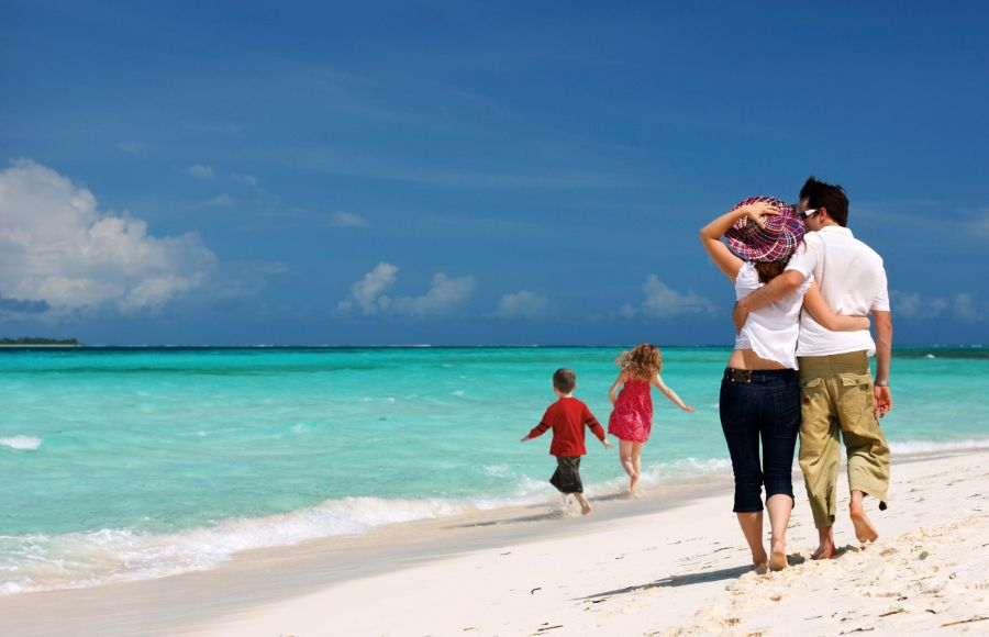 Family summer vacations in top Greek destinations